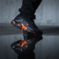 Nike Air Max Plus Tn Se Total Orange On Foot Shots The Drop Date
