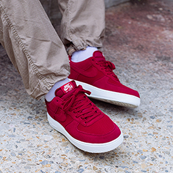 Nike Air Force 1 07 Suede Red Crush: On
