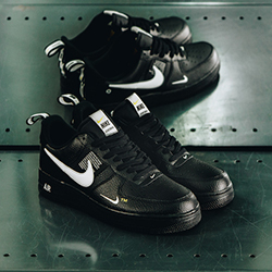 principal transmisión futuro  A Closer Look at the Nike Air Force 1 07 LV8 Utility Black - The Drop Date