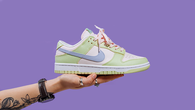 Nike WMNS Dunk Low in Lime Ice