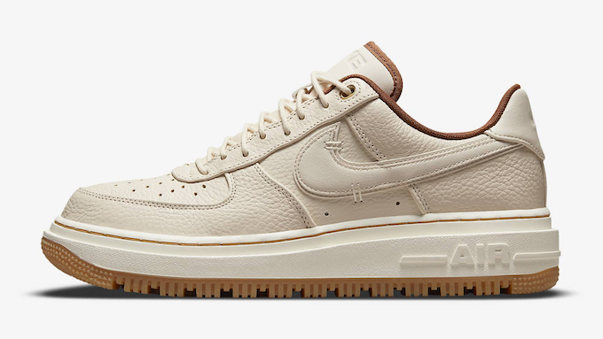 Nike Air Force 1 Luxe DB4109-200